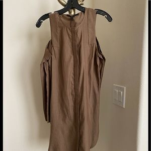 BCBGMAXAZRIA EXPOSED SHOULDER DRESS